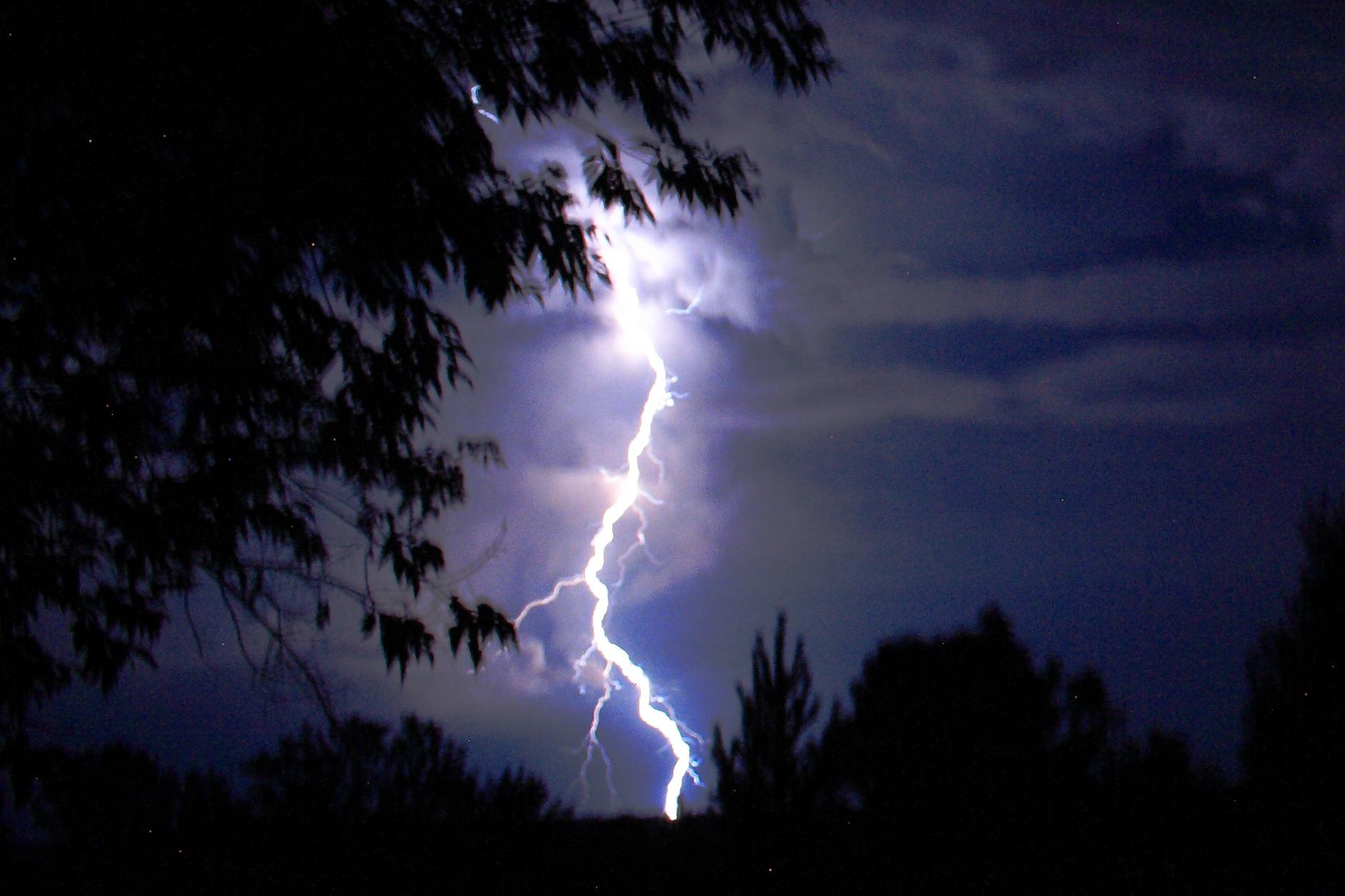 Lightning in Altai krai 01.JPG
