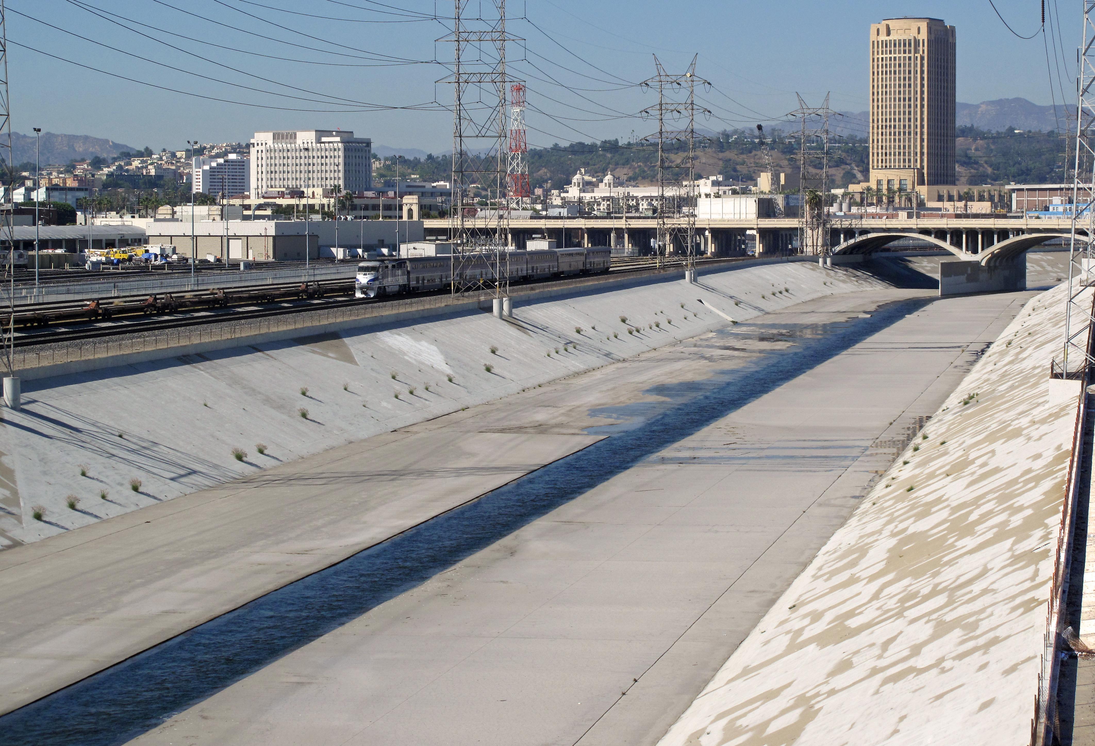 File Los Angeles River Channelized Jpg