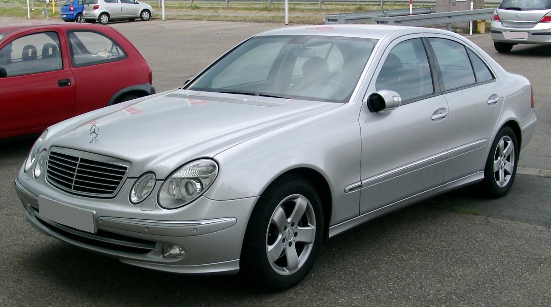 Mercedes Benz W Front