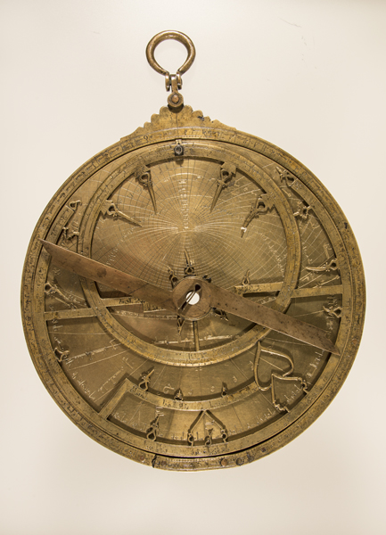 Museo Arqueológico Nacional - 50762 - Astrolabio de Ibrahim ibn Said al-Sahli 02.jpg