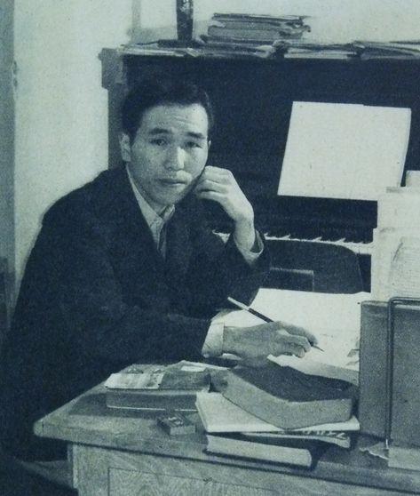 Black and white photo of composer NakadaYoshinao