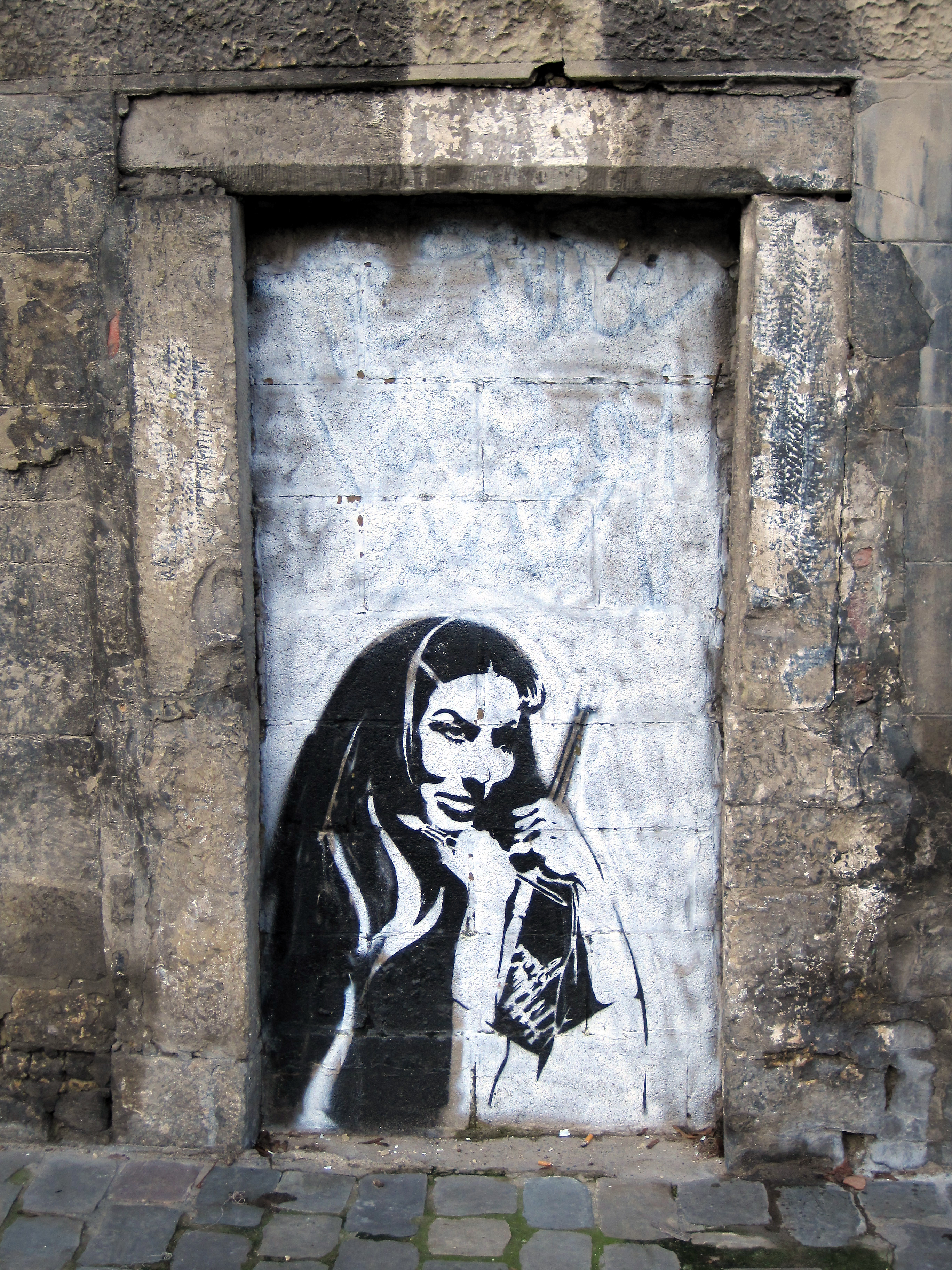 File:Namur - Graffiti 2.jpg - Wikimedia Commons  File:Namur - Gr...