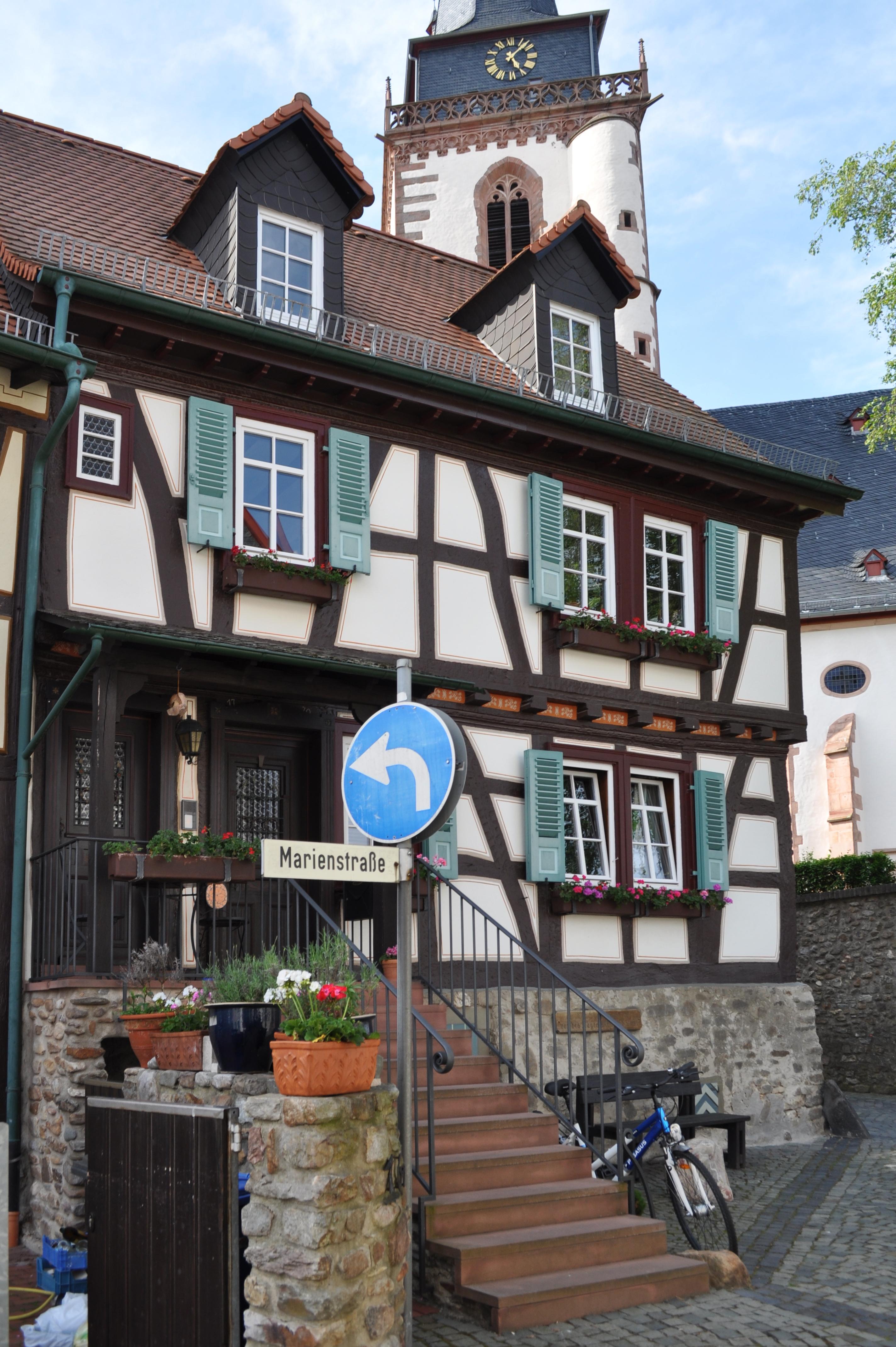 File:Oberursel, Marienstr. 16.JPG - Wikimedia Commons