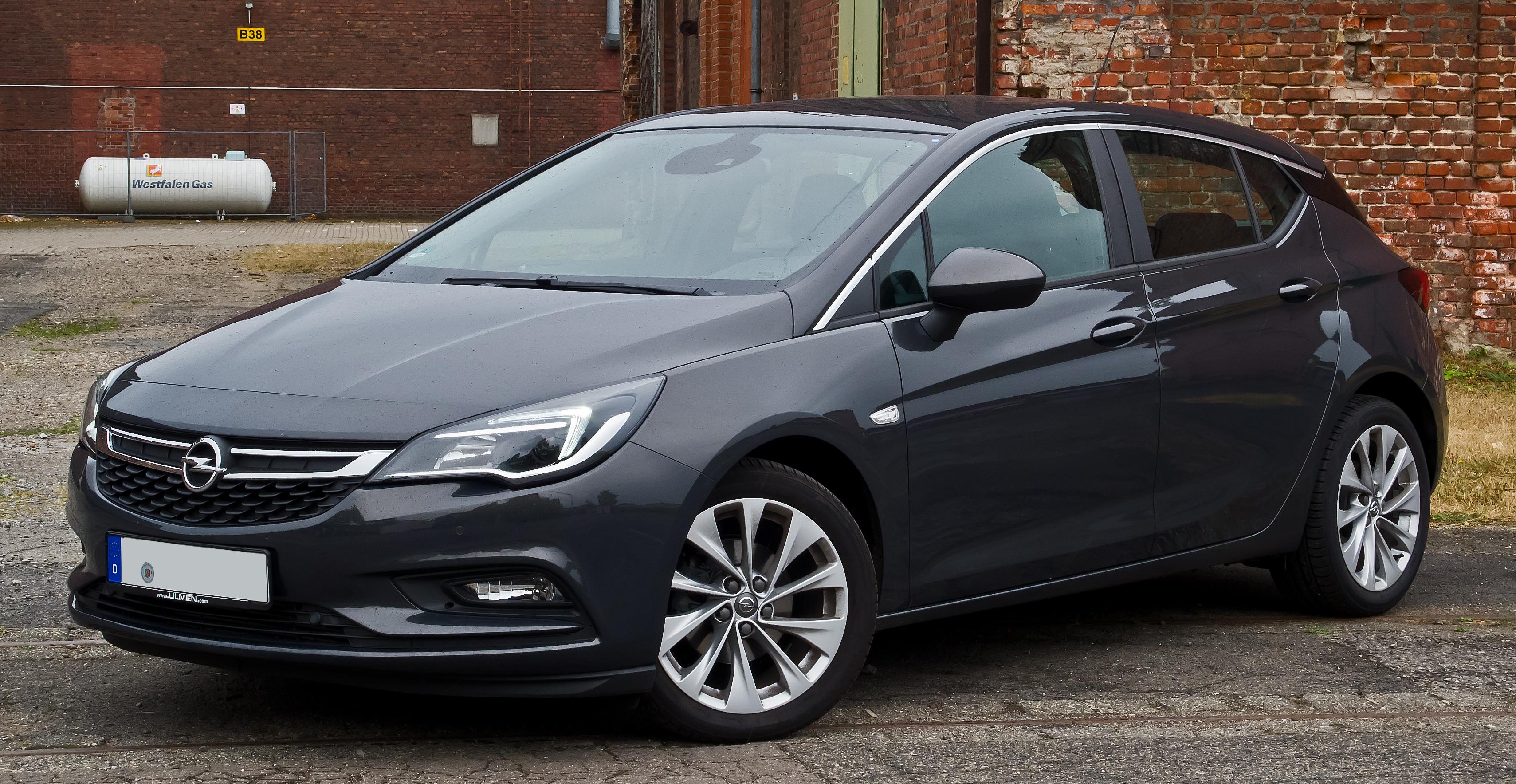 Astra Sedan 2018 >> File:Opel Astra 1.4 EDIT Edition (K) – Frontansicht (1), 31. Juli 2016, Düsseldorf.jpg ...