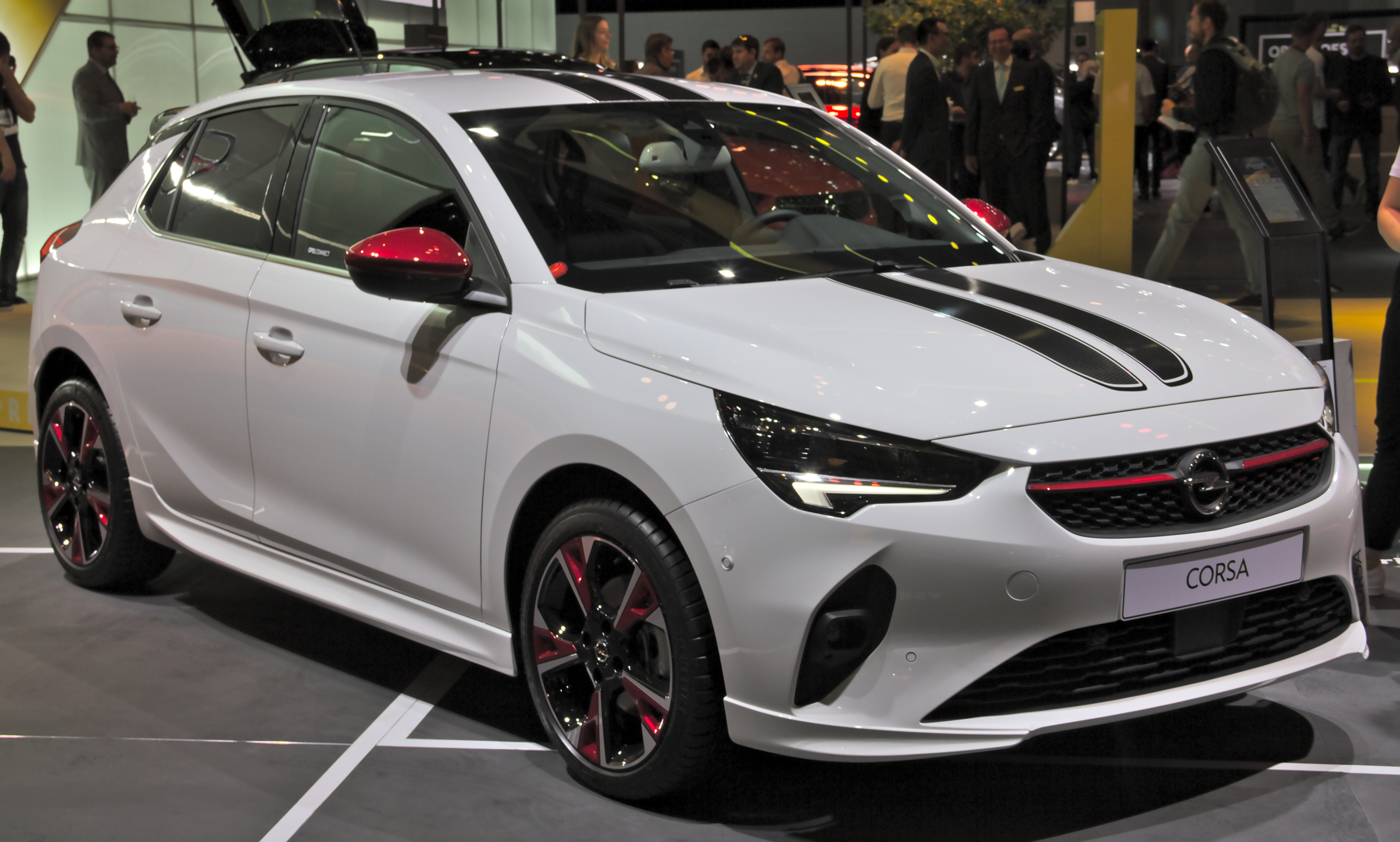 2020 - [Opel] Insignia Grand Sport Restylée  - Page 4 Opel_Corsa_F_at_IAA_2019_IMG_0693