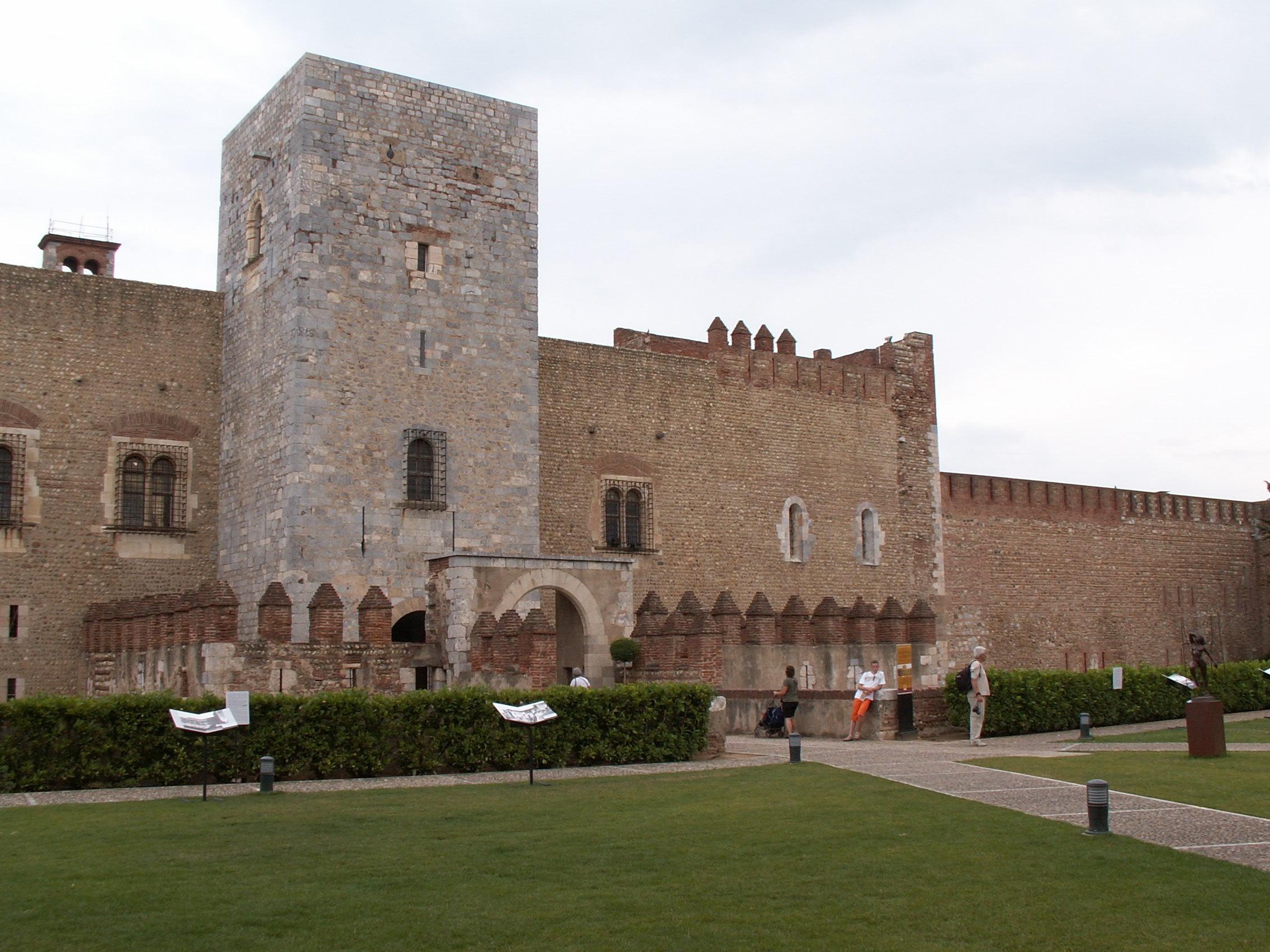File perpignan palais des rois de majorque 2 jpg wikimedia commons - Palais des rois de majorque perpignan ...