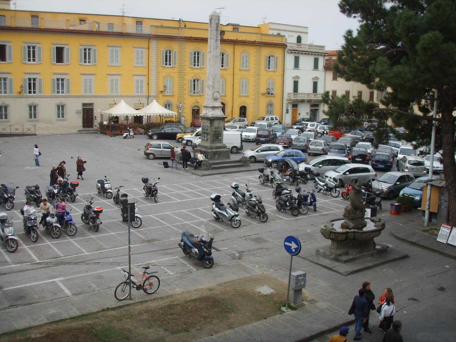 File prato piazza san francesco 02 jpg wikimedia commons for Piazza san francesco prato