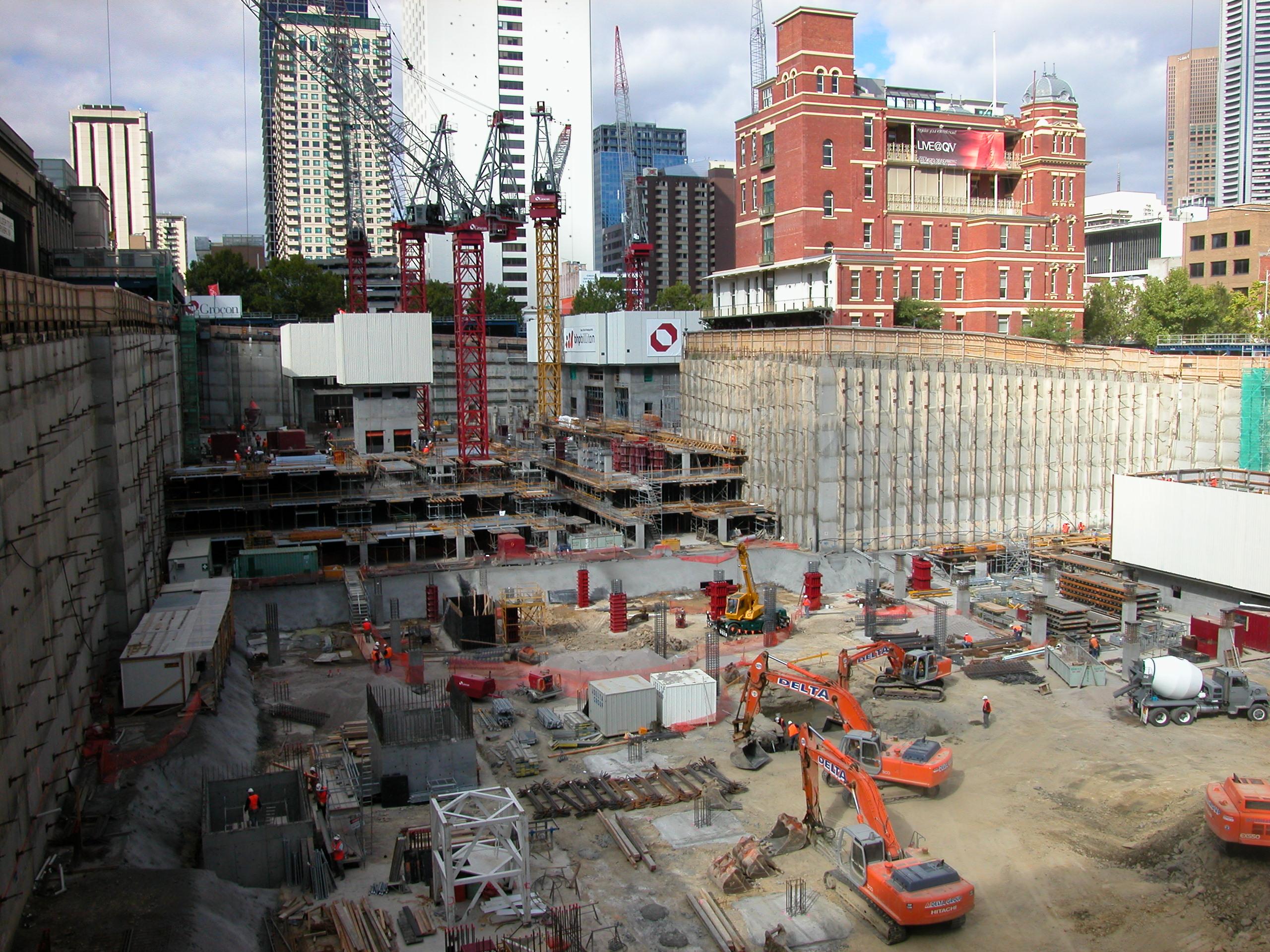 File qv building construction site melbourne march 2002 for Home building sites