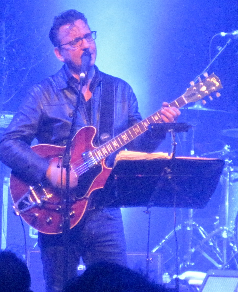 Richard Hawley performing at the [[Cambridge Corn Exchange]] in 2013