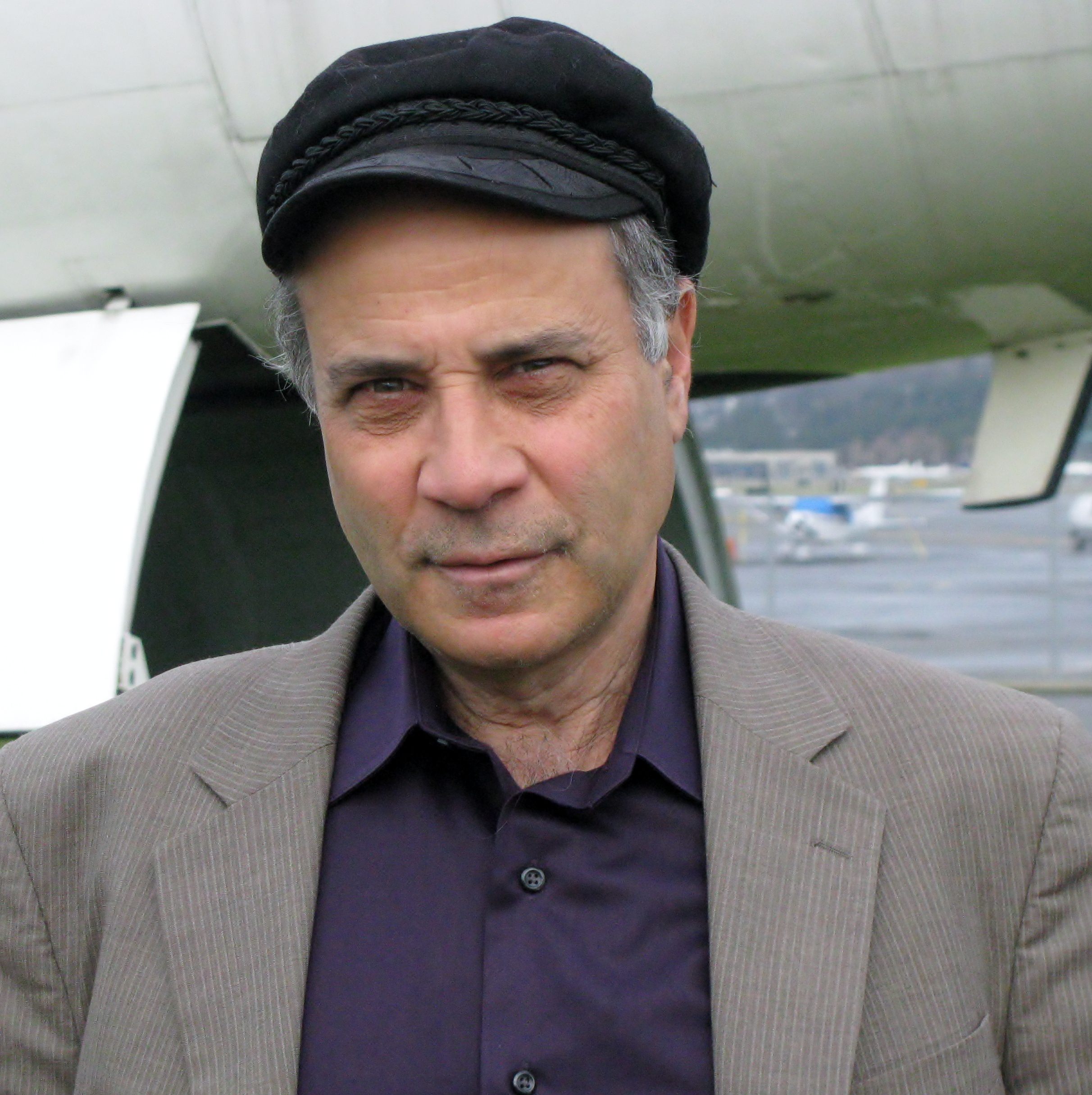 Photo of Zubrin by the [[Mars Society]]
