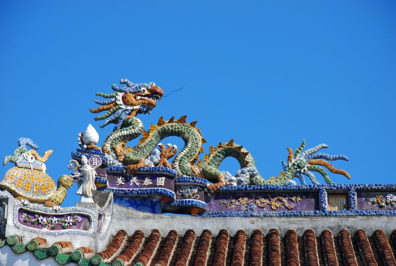 Roof with dragon, Hoi An