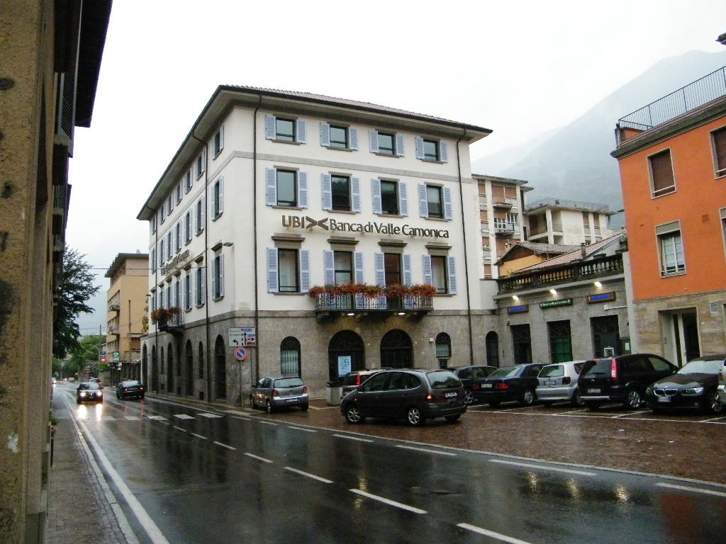 Banca di Valle Camonica. Breno, Val Camonica.