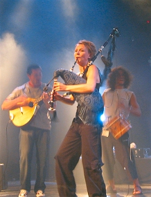 Susana Seivane on stage at Lorient, Brittany, in 2004
