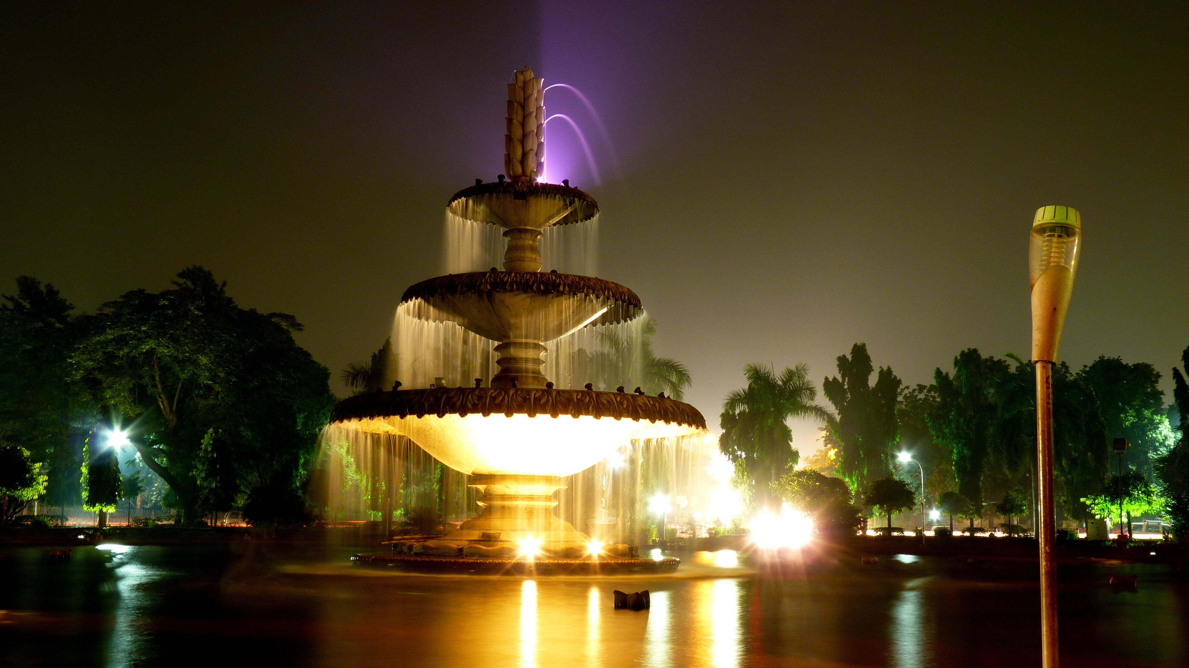 File:Sukhadia circle, Udaipur, Rajasthan.jpg - Wikimedia Commons
