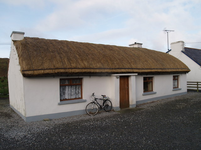 File:Thatched cottage Maghera Ardara. - geograph.org.uk - 1073951.jpg
