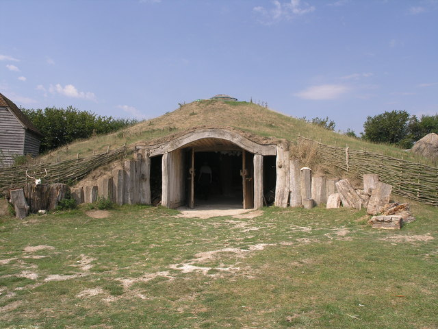 File:The Earth house - geograph.org.uk - 431910.jpg