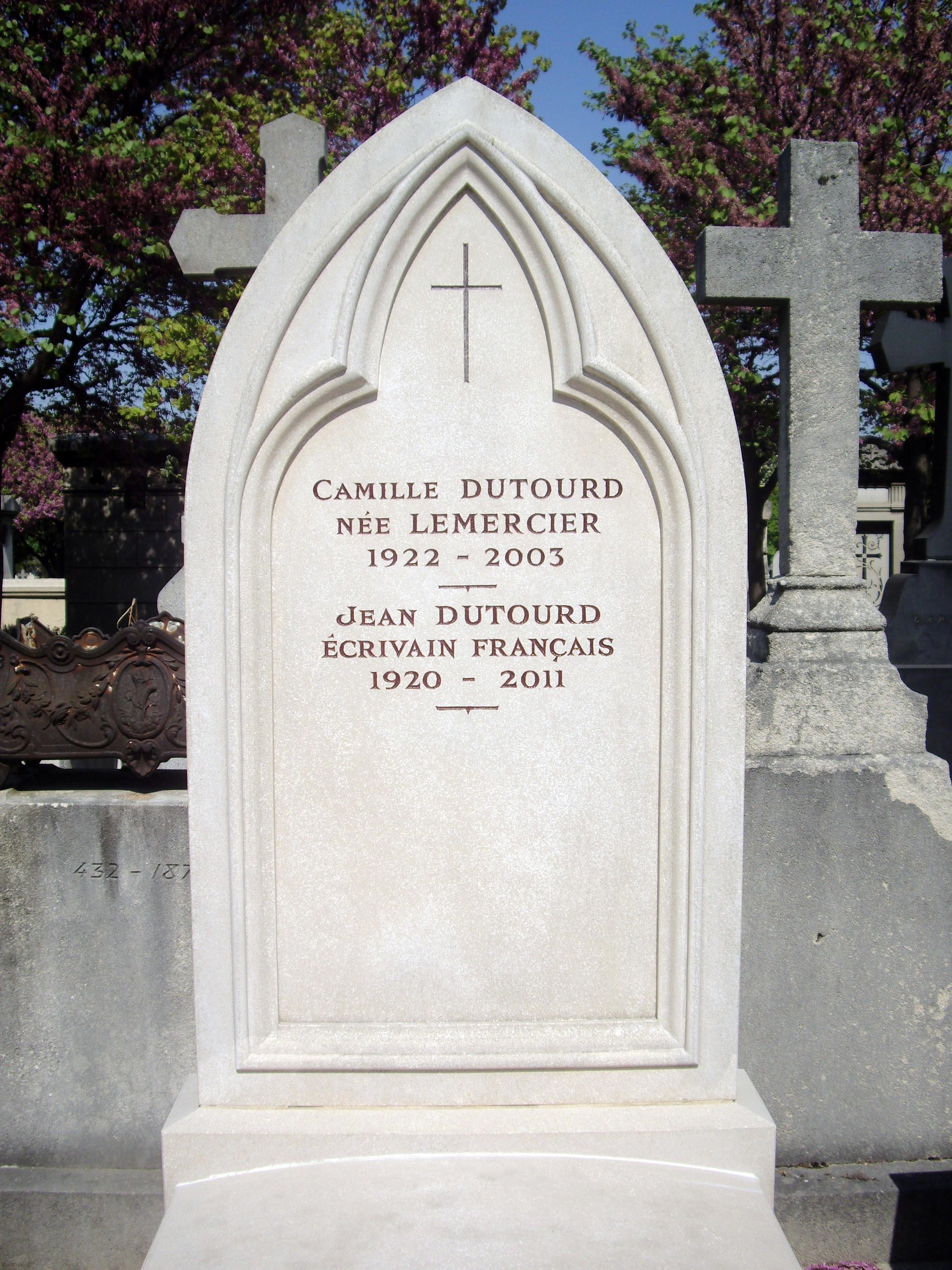Dutourd's gravestone in Montparnasse Cemetery
