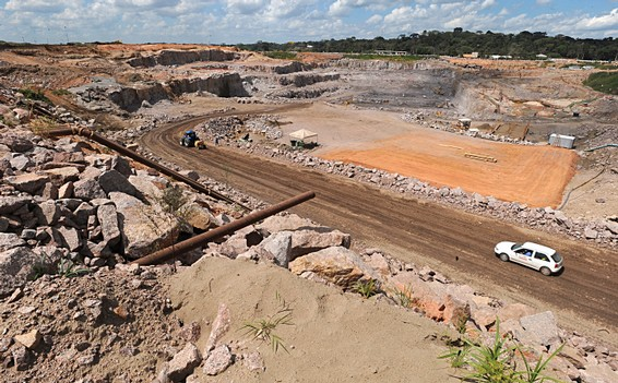 File:Usina Hidrelétrica Santo Antônio.jpg