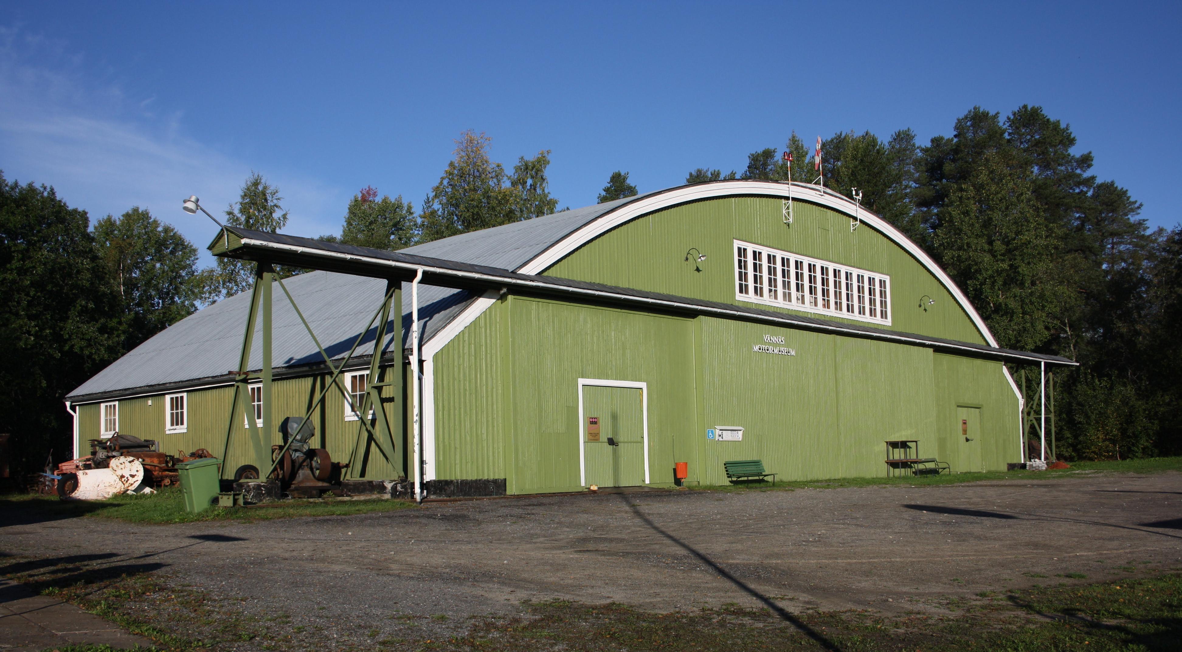 Vännäs läger hangaren 2011-09-11.jpg
