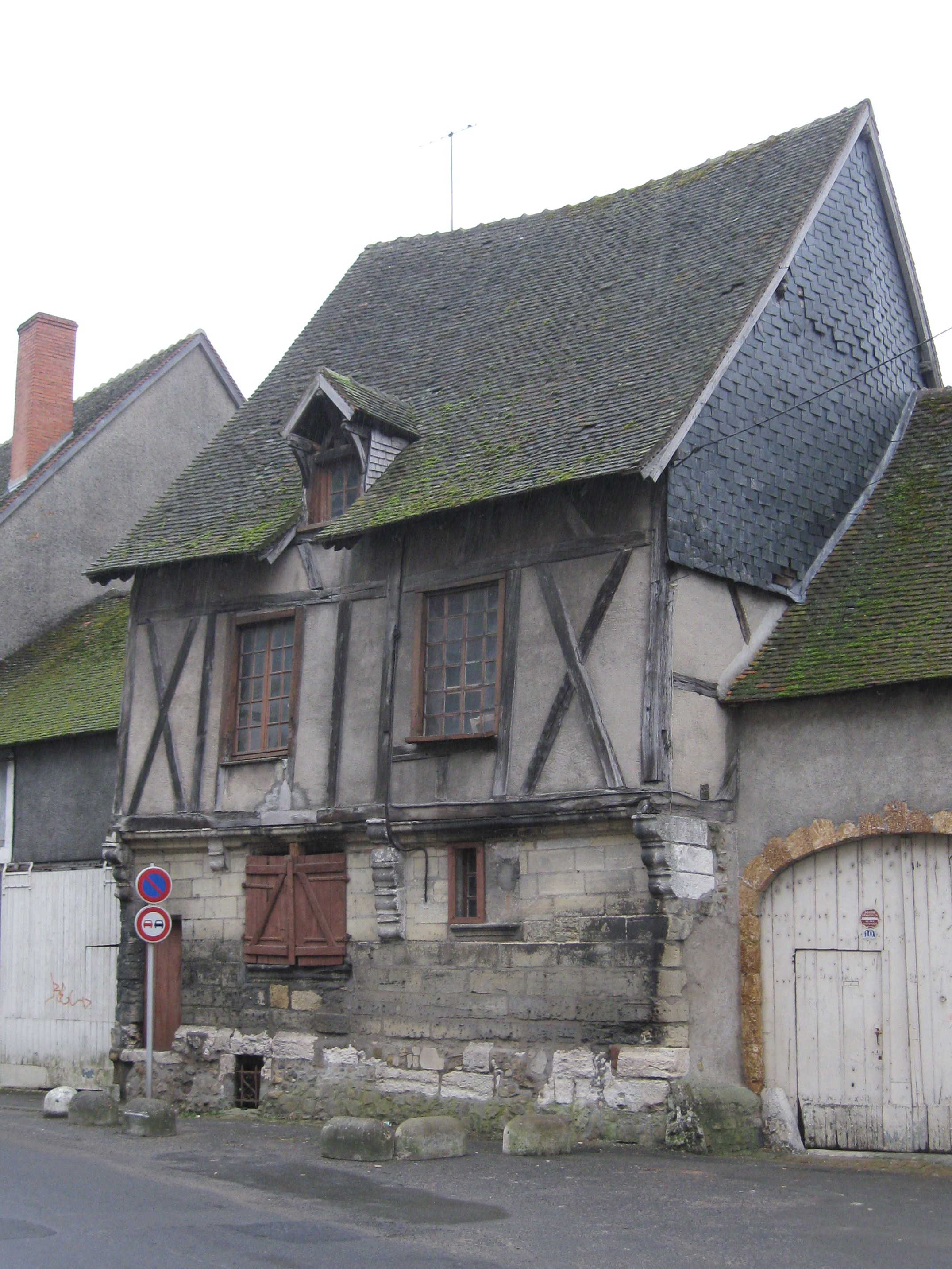 file vierzon maison jeanne d arc 1 jpg wikimedia commons