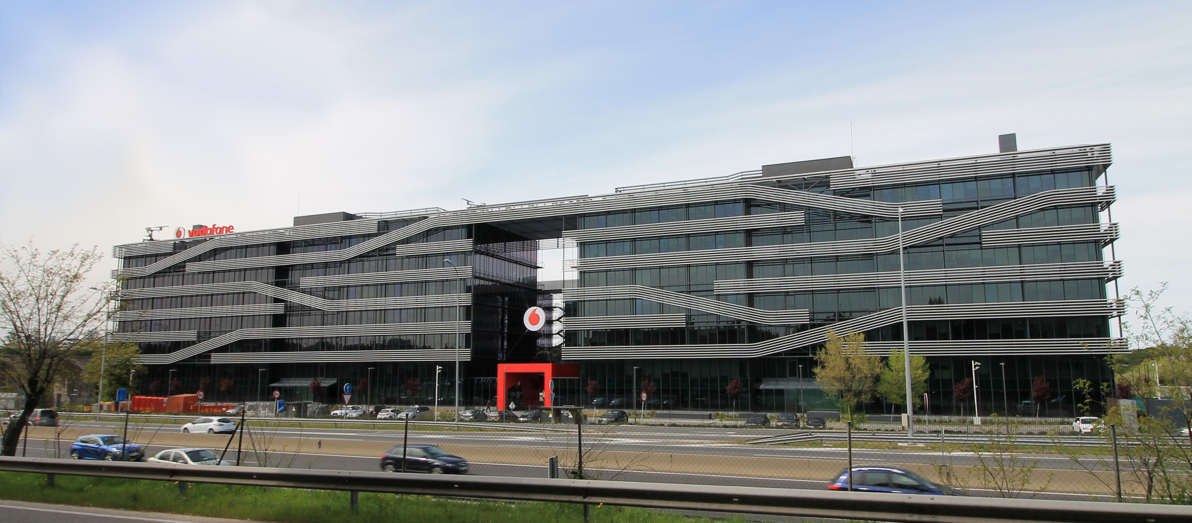 File vodafone offices av am rica 115 madrid for Vodafone oficina