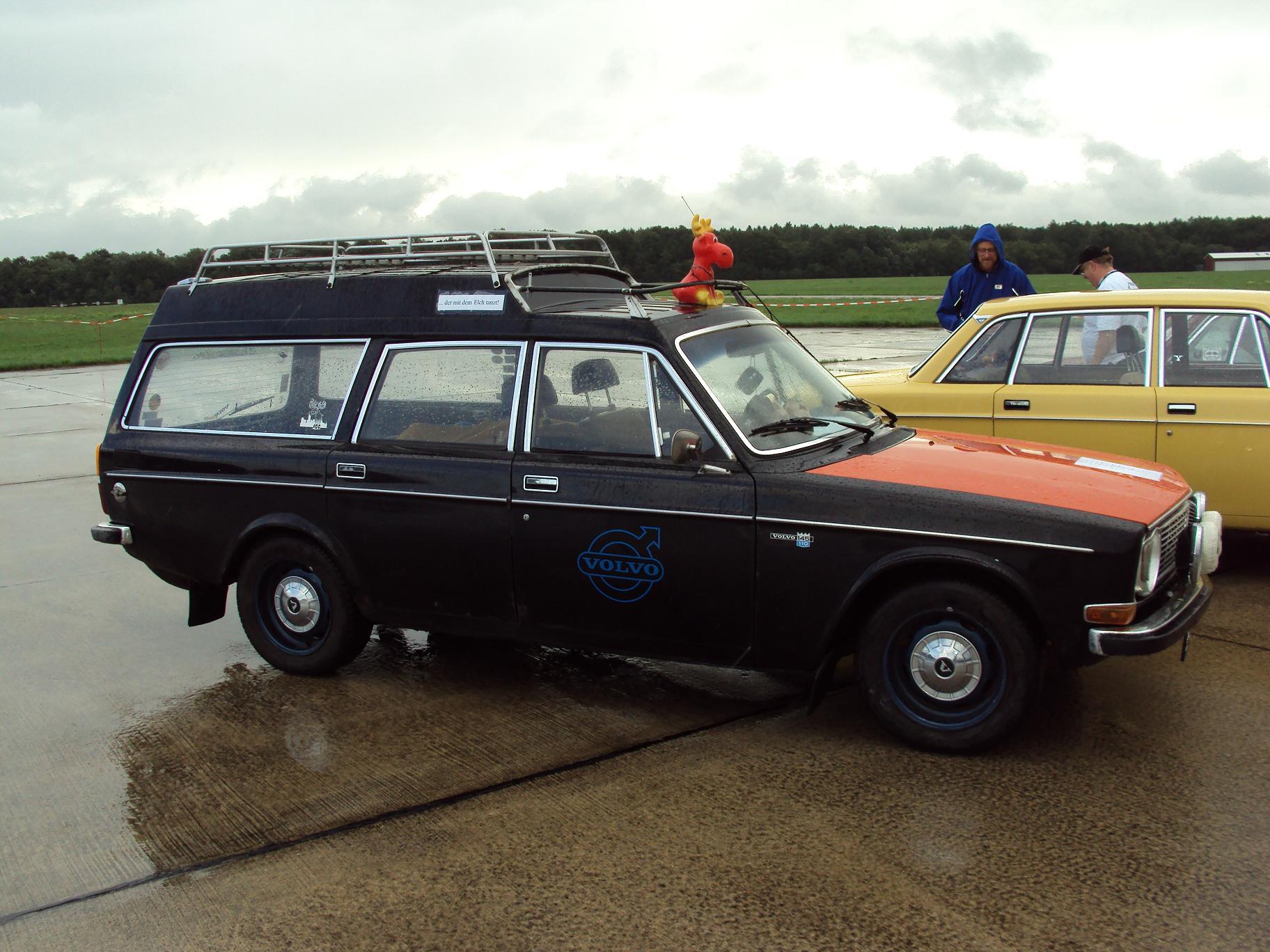 Volvo_145_Express_%284951558977%29.jpg