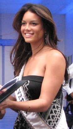 Zuleyka Rivera at Plaza Antara, Polanco, Mexico