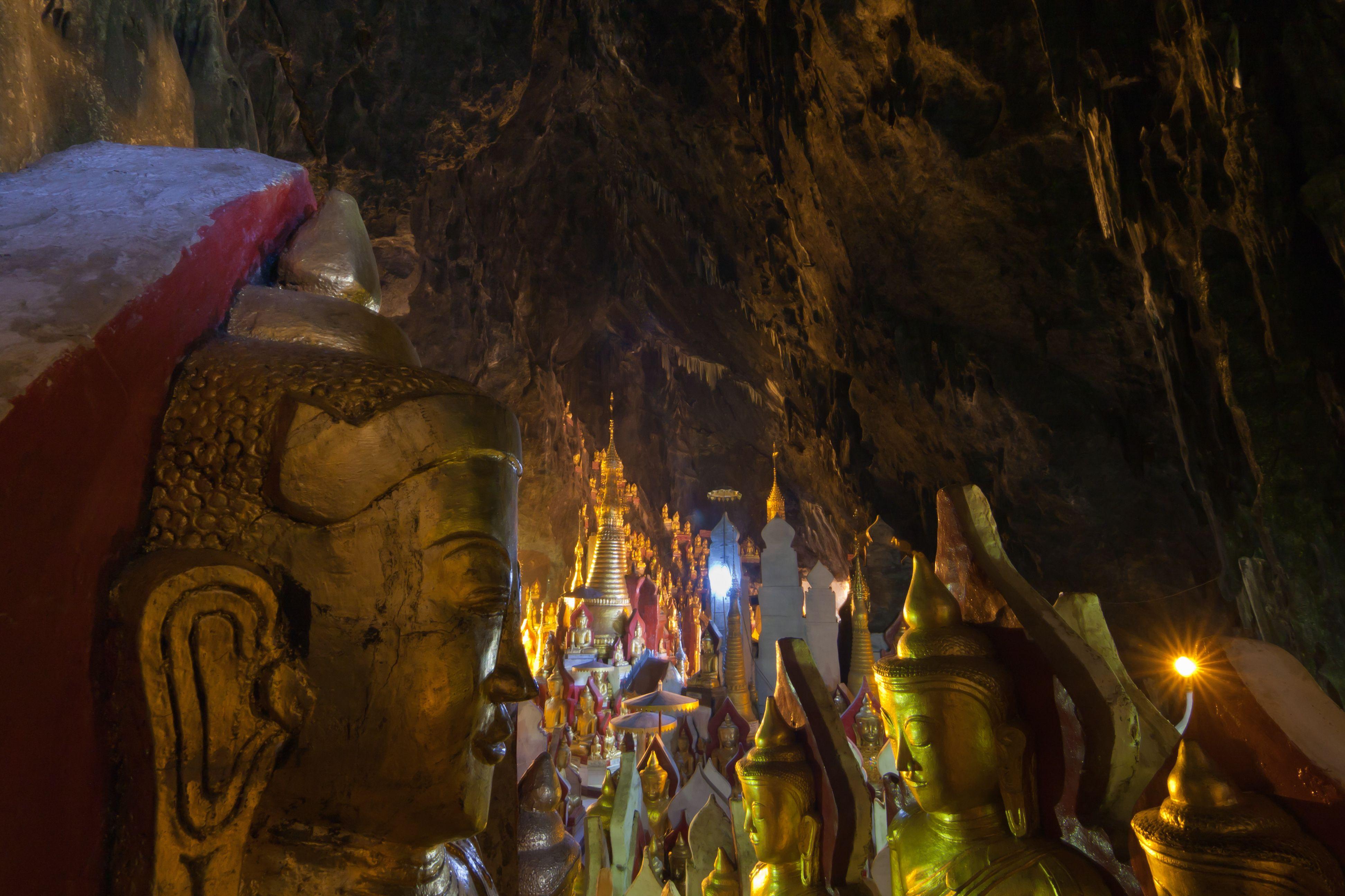 Внетри пещер Пиндайя.jpg