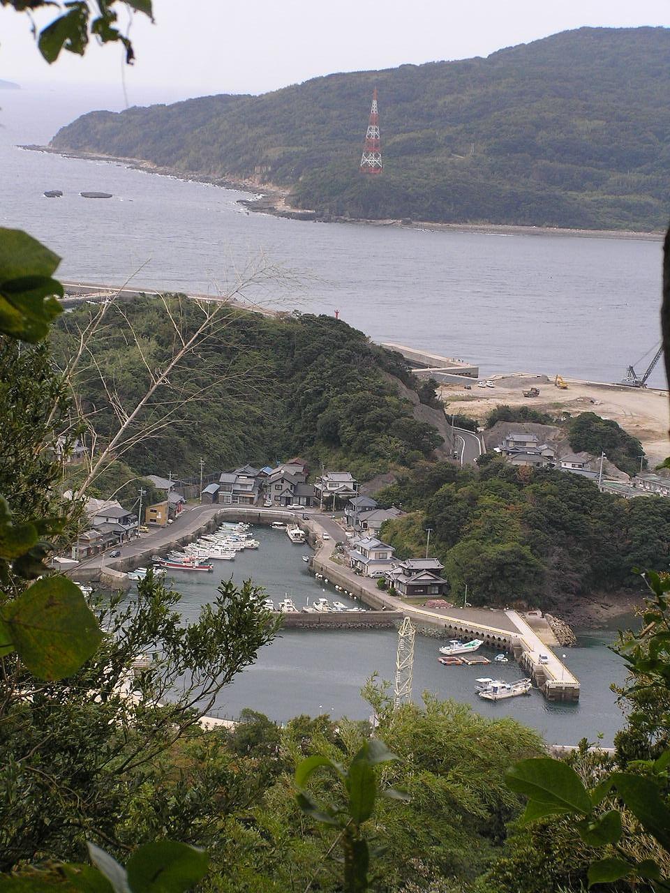 ファイル:長崎県西海市大瀬戸町の漁港.jpg - Wikipedia