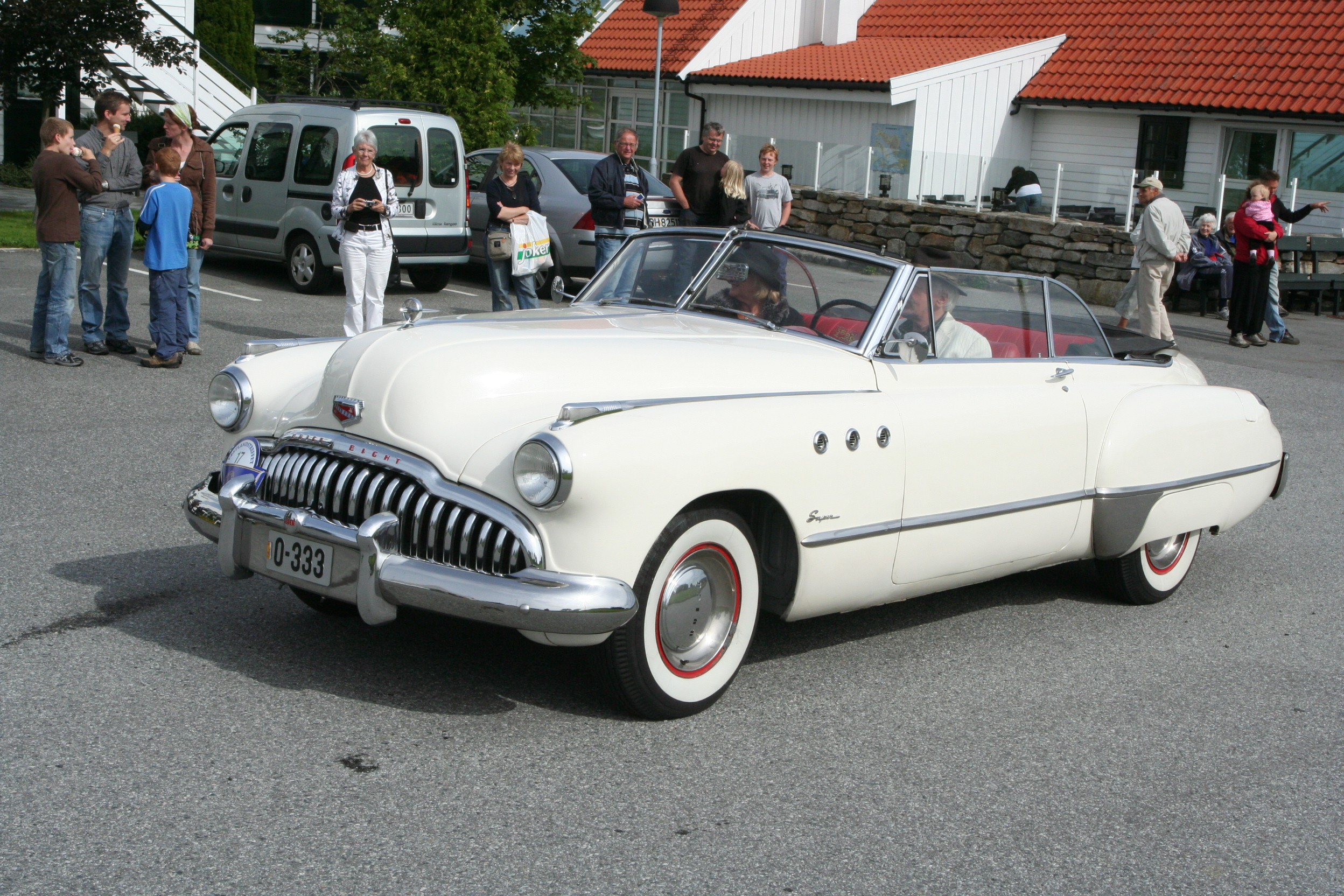 File 1949 Buick Super Cabriolet Owner Lars Hille With