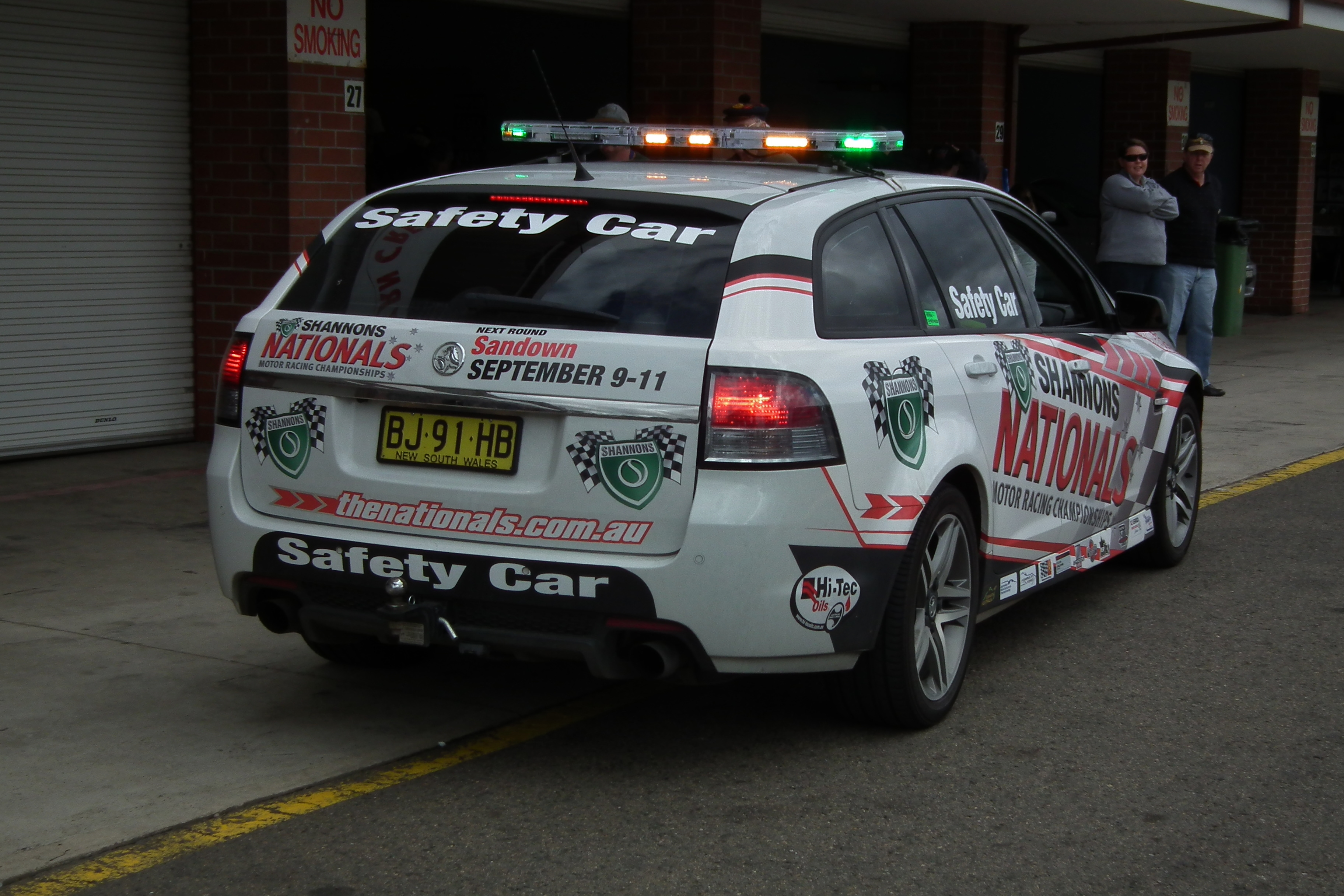 100 reviews ve commodore sportwagon on margojoyo file2011 holden ve commodore sv6 sportwagon station wagon vanachro Image collections