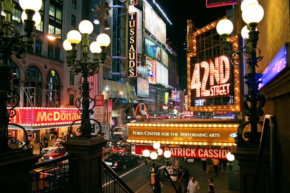 Breaking news on 42nd Street, New York, NY, US ...