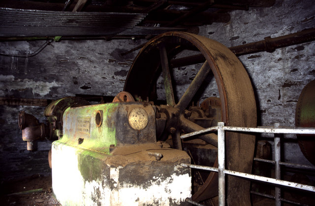 Air compressor, Ponc Australia, Dinorwic - geograph.org.uk - 1627592