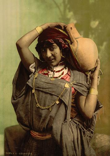 File:Bedouin woman - Tunisia - 1899.jpg
