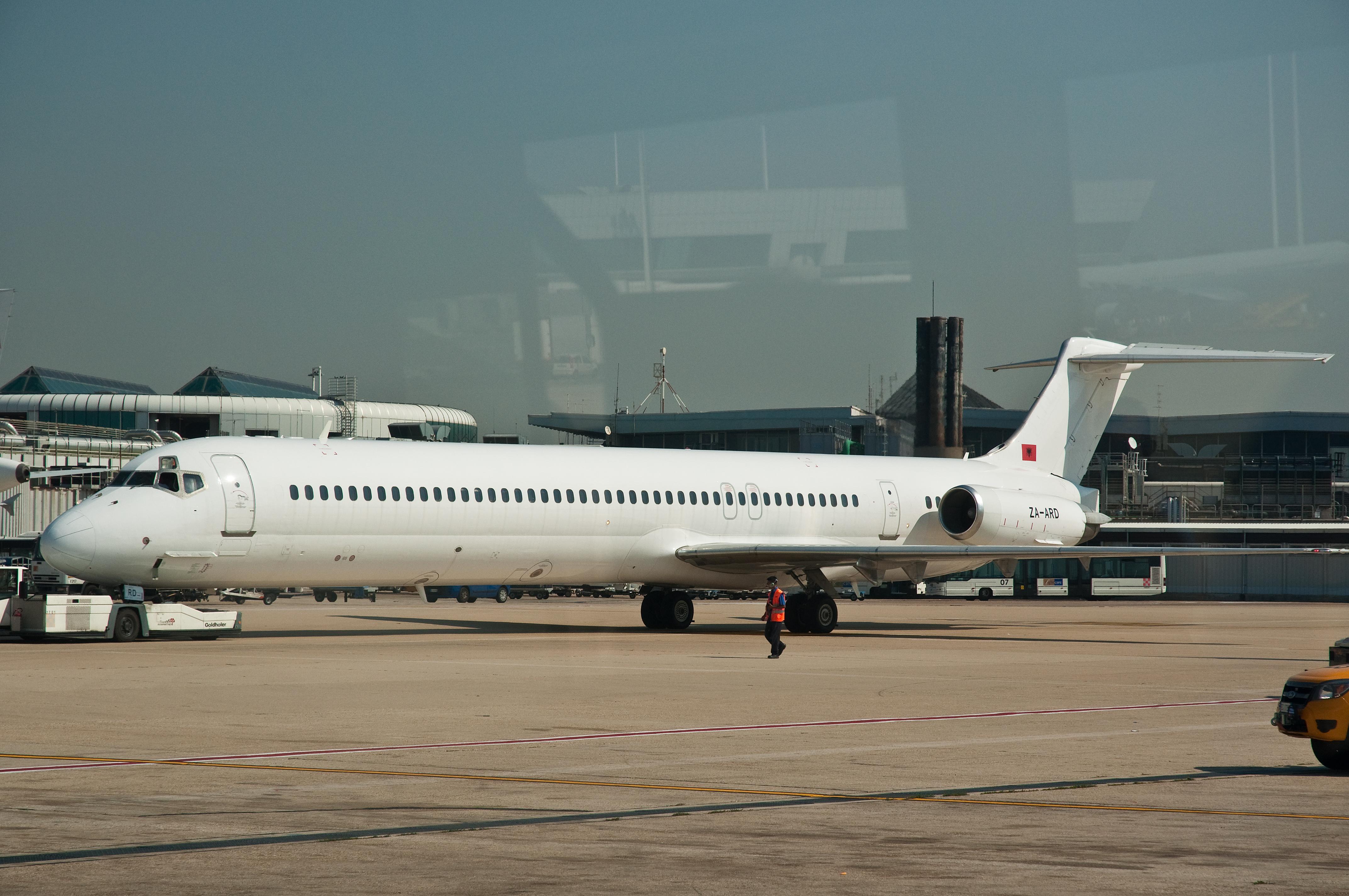 ... Douglas MD-82 ZA-ARD Fiumicino Airport.jpg