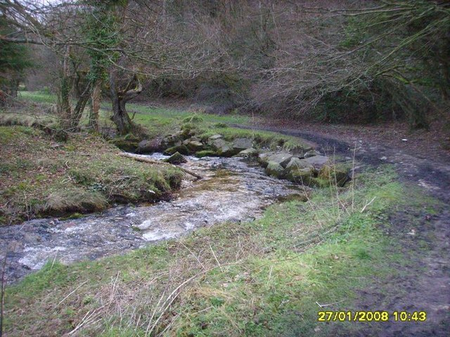 Bend in the River Clywedog - geograph.org.uk - 1070880