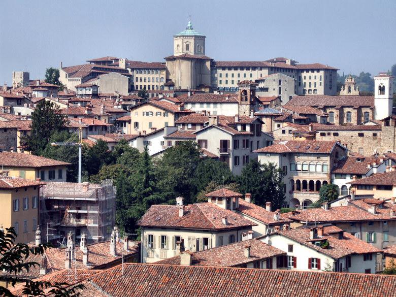 Bergamo wiktionary for B b bergamo alta
