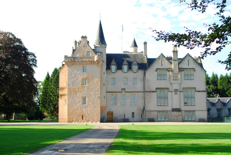 Brodie Castle 01.jpg