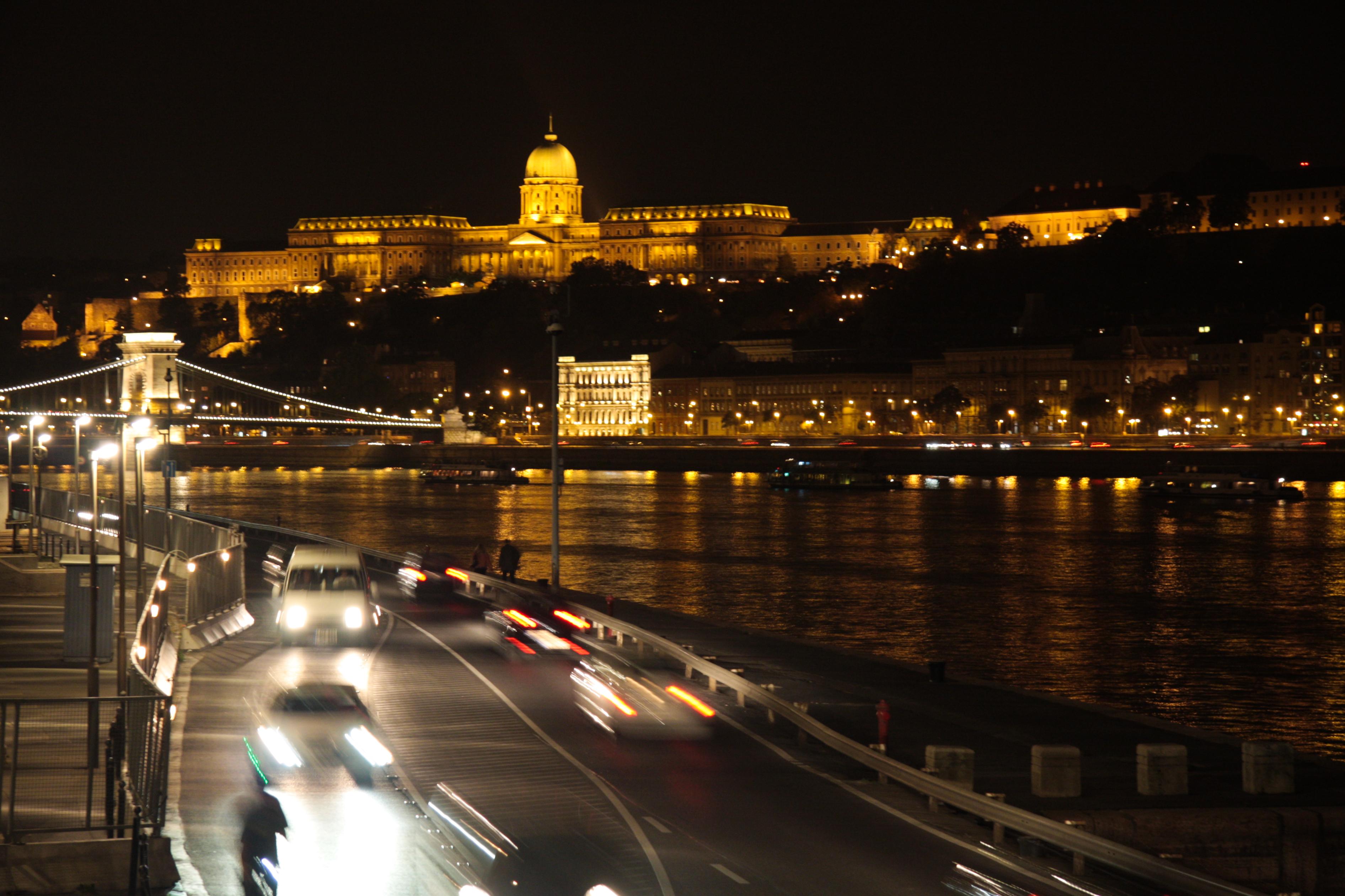 File Budapest At Night Buda Castle Jpg Wikimedia Commons