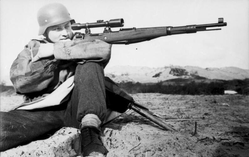 تک تیر انداز آلمانی در فرانسه سال 1944