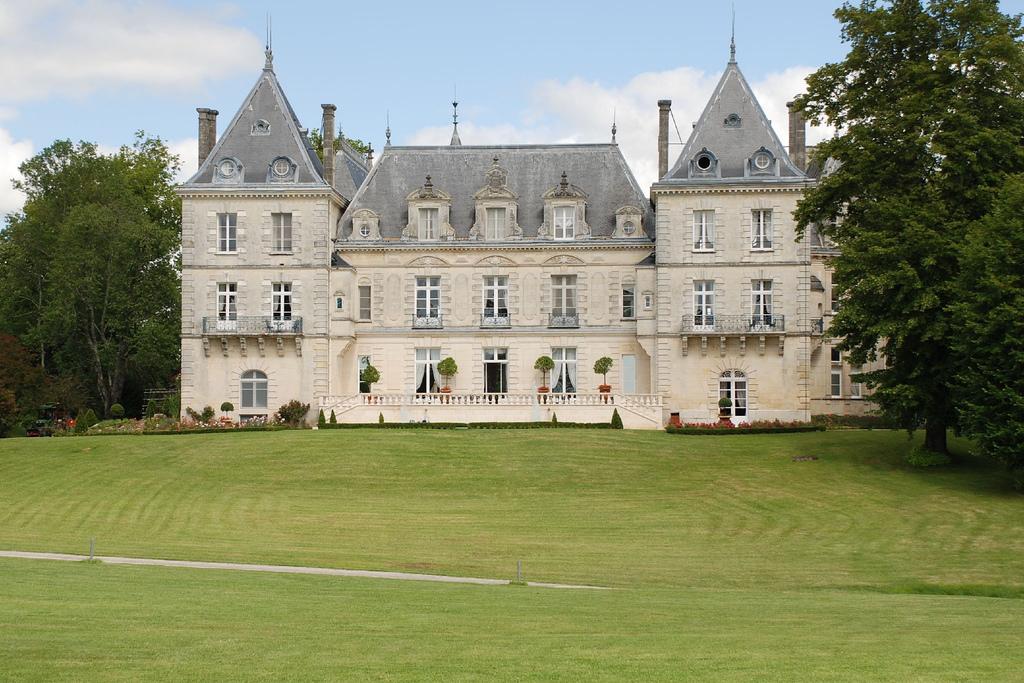 chateau mirambeau GR360