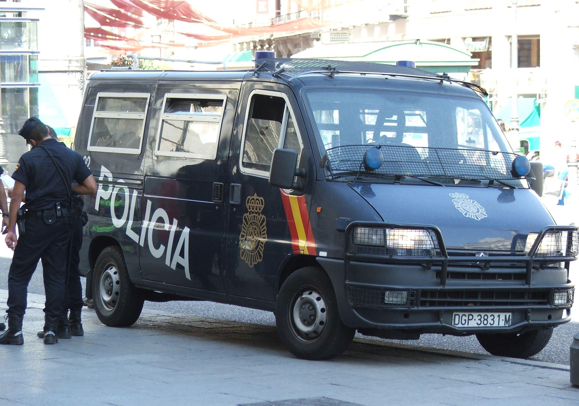 [Photos] Les citroen de la police - Page 2 Citroen_spanish_police_3860