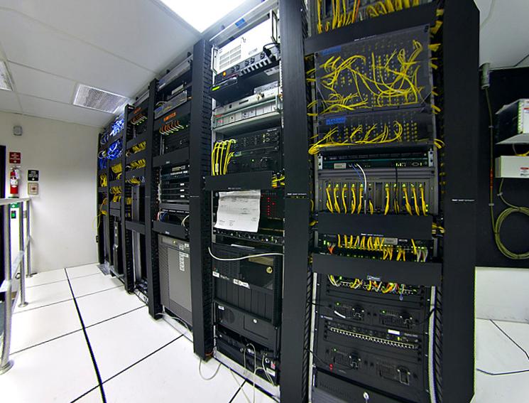 Data center - Simple English Wikipedia, the free encyclopedia