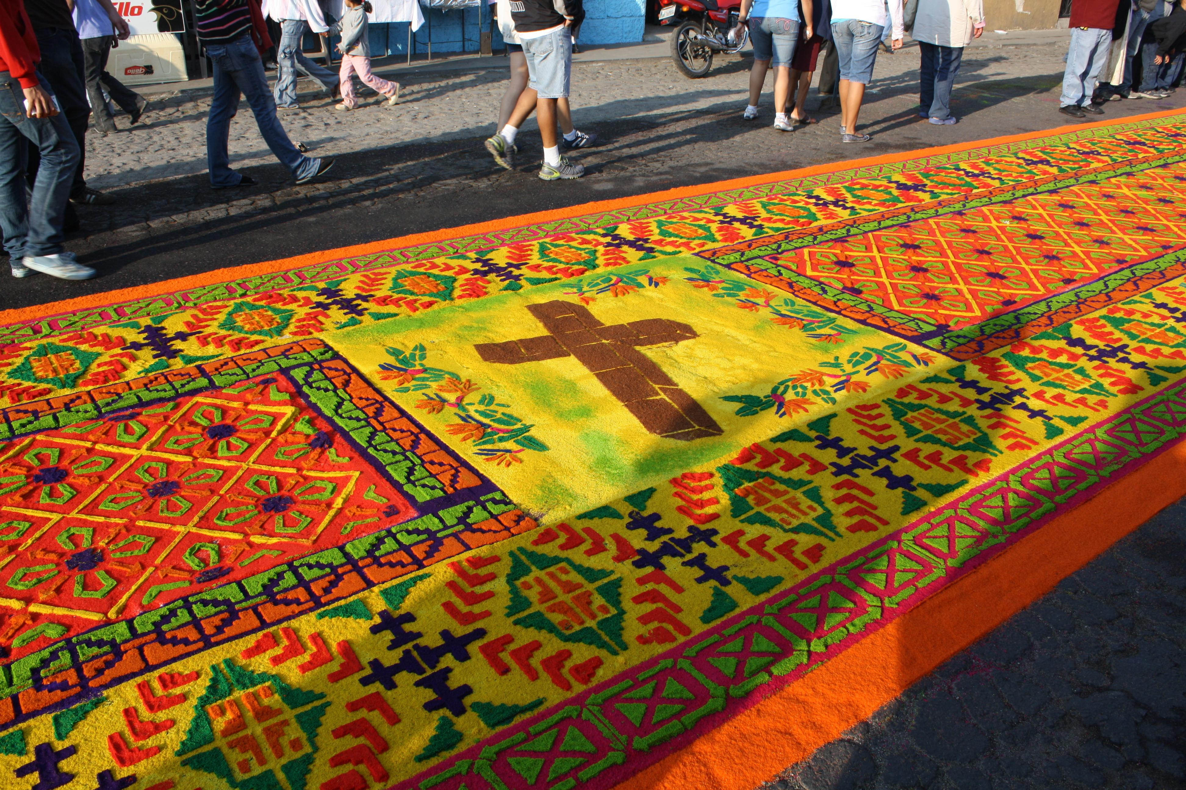 File dyed sawdust carpet alfombra de aserrin 2 jpg - Alfombras en crevillente ...