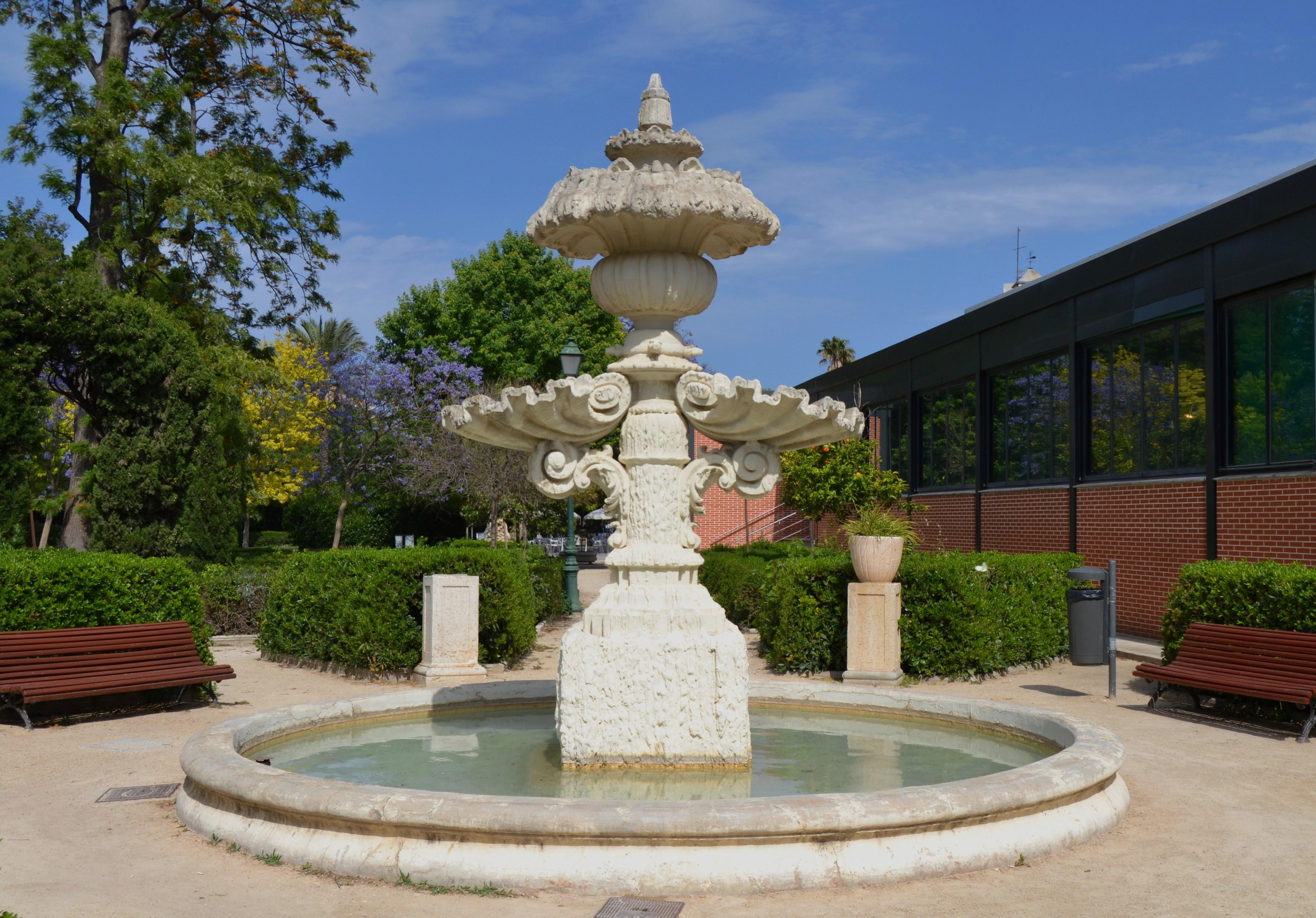 Archivo font als jardins del real val ncia jpg for Jardines del real valencia