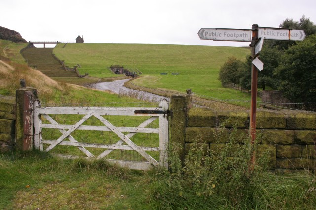 Footpaths below Butterley Reservoir - geograph.org.uk - 55031