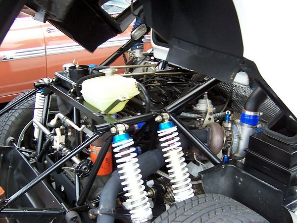 Ford_RS200_engine.jpg