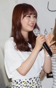 Heo Youngji at a Kara fansigning on 30 August 2014.jpg