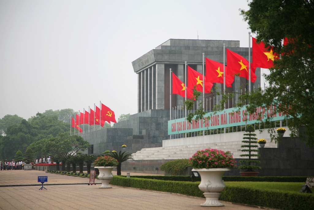 Giá vé máy bay cho đoàn của hãng Vietnam Airlines đến Hà Nội