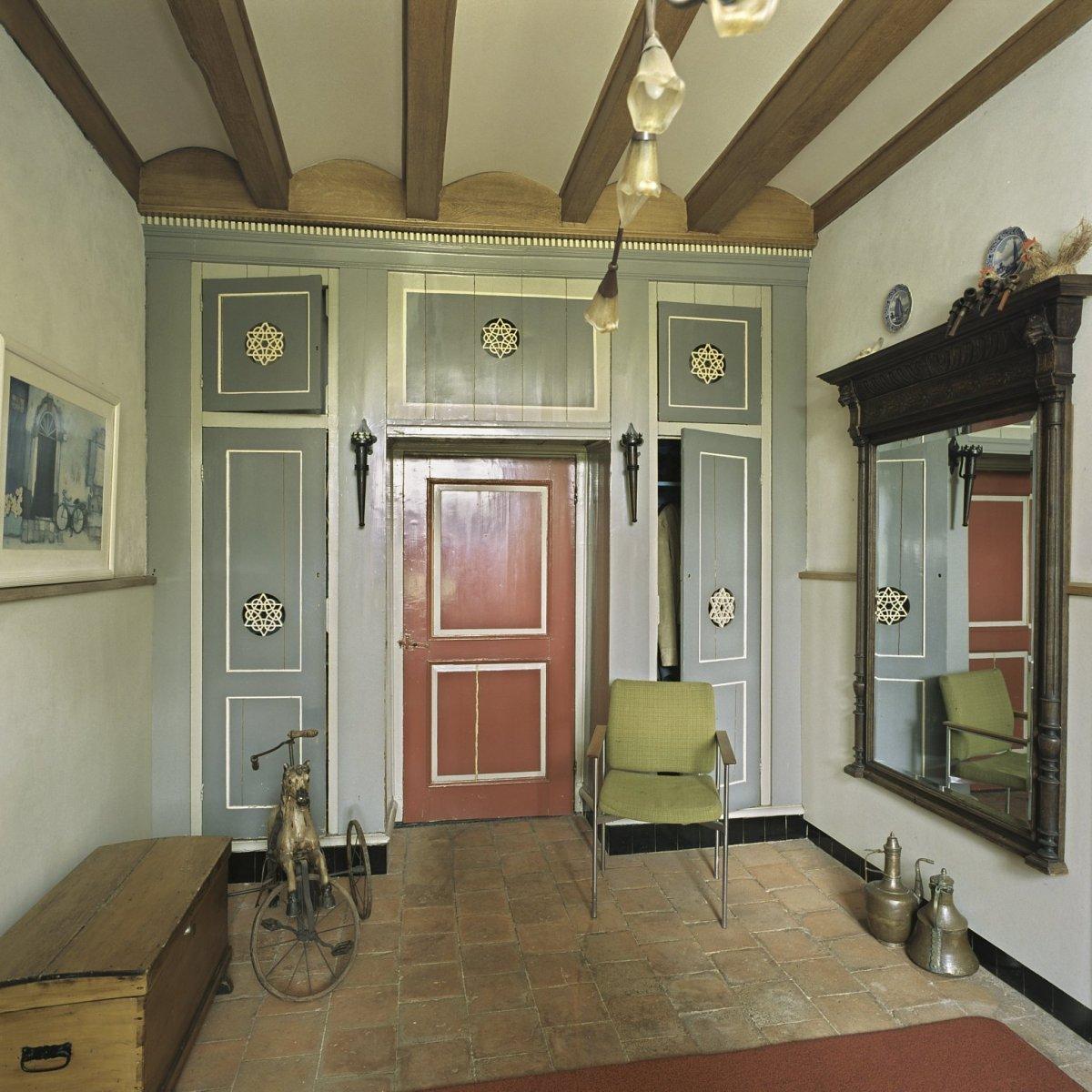 File interieur vertrek naast woonkamer met kastenwand for Interieur woonkamer